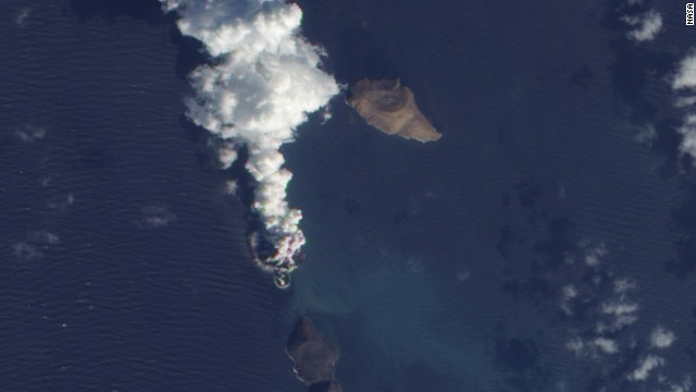 Eruption creates new island in Red Sea