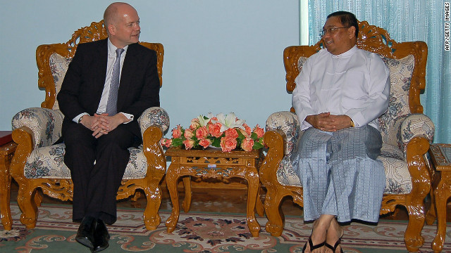 British Foreign Secretary William Hague, left, and Myanmar counterpart Wunna Maung Lwin meet in Naypyitaw Thursday.