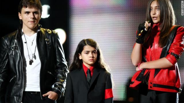 Los hijos de Michael Jackson harán «inmortales» las huellas de su padre