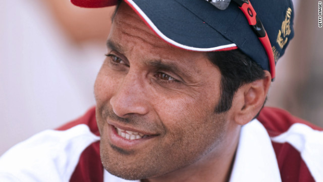 Defending champion Nasser Al-Attiyah has been forced to pull out of the 2012 Dakar Rally with car trouble.
