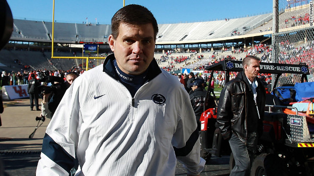Penn State quarterbacks coach Jay Paterno has resigned after meeting with the team's new head coach.