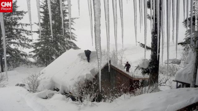 Un pueblo de Alaska queda bajo 5 metros de nieve