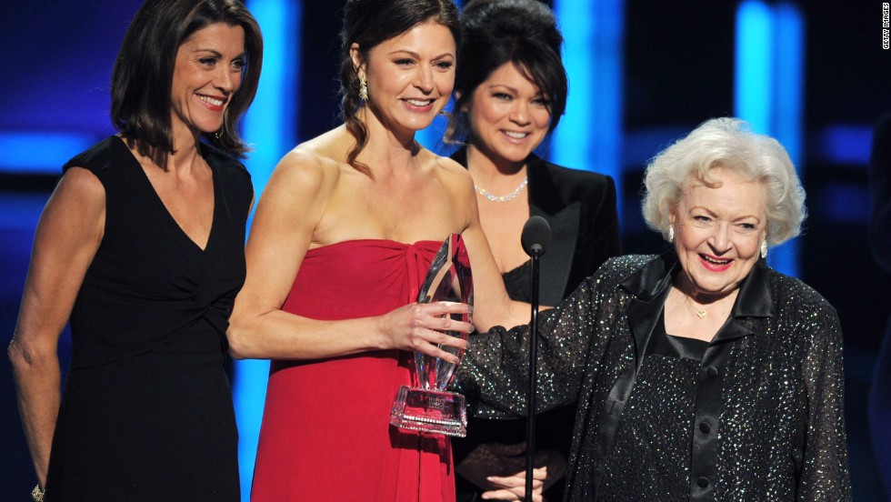 "<strong>""Hot in Cleveland""</strong> had a good run, but its sixth season will be its last, <a href='http://insidetv.ew.com/2014/11/17/hot-in-cleveland-canceled/?hootPostID=4a444274e83ad77d5bf67005fbfd4a41' target='_blank'>TV Land announced Tuesday</a>. Wendie Malick, Jane Leeves, Valerie Bertinelli and Betty White will have to find new employment. It's not the only show that's received a cancellation notice this year ..."