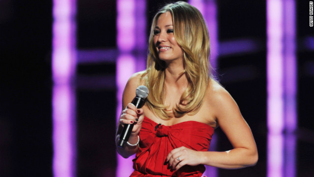 What's the verdict: Kaley Cuoco hosts the People's Choice Awards