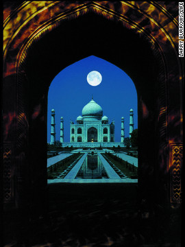 The Taj Mahal in India, photographed by Larry Burrows.