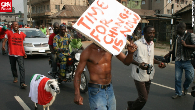 A Nigerian protester calls for change