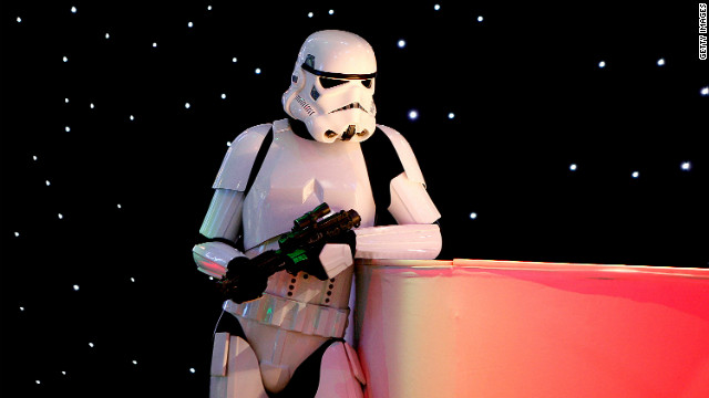 Life-sized Stormtrooper cake takes eaters to the delicious side