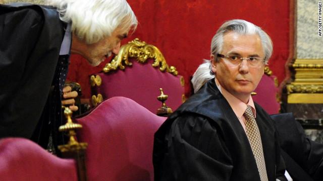 Baltasar Garzón se niega a responder las preguntas de la fiscalía