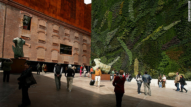 He also oversaw the creation of a vetical garden on the side of the CaxiaForum, Madrid in 2007.