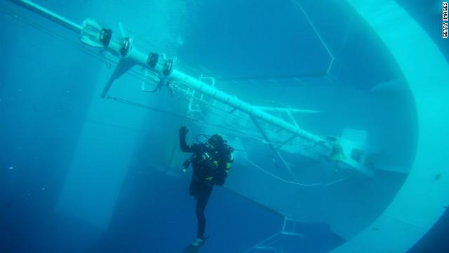 Reanudan operativo de rescate en el Costa Concordia; hallan otro cuerpo