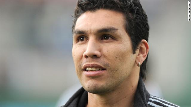 Salvador Cabañas regresa al fútbol tras rehabilitación