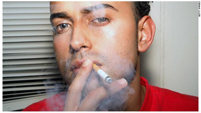 Algunos pacientes con cáncer siguen fumando después del diagnóstico
