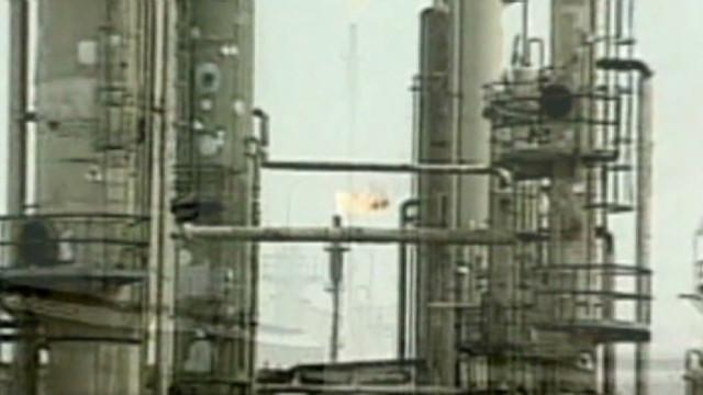 Irán quiere cerrar el «chorro» de petróleo a Europa