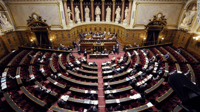 El Senado francés criminaliza la negación del holocausto armenio