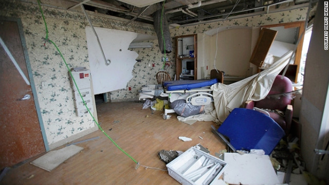The storm hit a mother-and-baby room. One glass facade of the building was blown out, and authorities evacuated the medical center, Ray Foreman, a meteorologist with CNN affiliate KODE in Joplin, said in May.