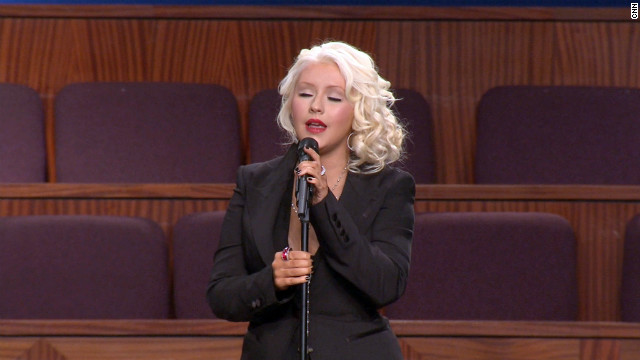 Christina Aguilera sings Etta James' signature song 