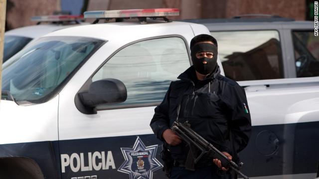 Los policías de Ciudad Juárez se hospedarán en hoteles por seguridad