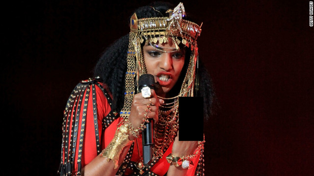 M.I.A.&#039;s middle finger punctuates Super Bowl halftime show