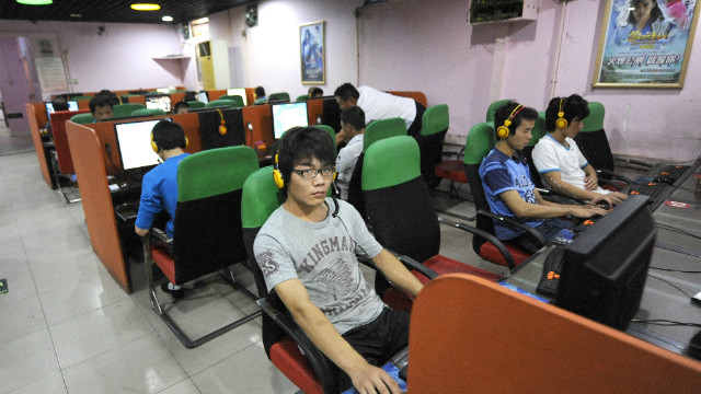 "China warns online rumors are like ""narcotics"""