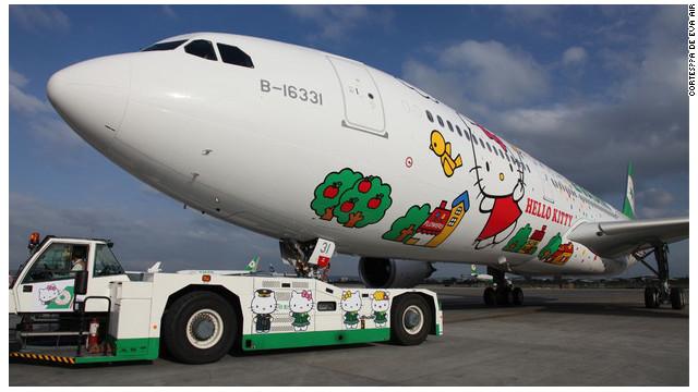 """Viajar más """"cute"""" que en los aviones de Hello Kitty, imposible"""