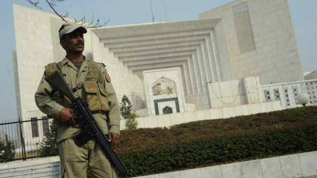 Pakistani spy agency given ultimatum