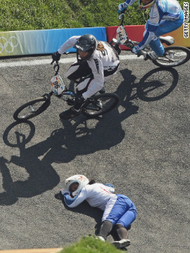 Reade contemplated turning her back on competitive sport after a disastrous BMX final at Beijing 2008. She missed out on a medal in the event's inaugural Games after crashing in the deciding race. France's Anne-Caroline Chausson went on to win gold.