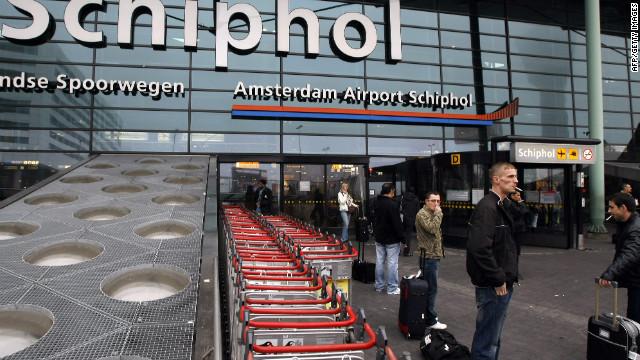 Cierran «partes» del aeropuerto de Amsterdan por amenaza de bomba