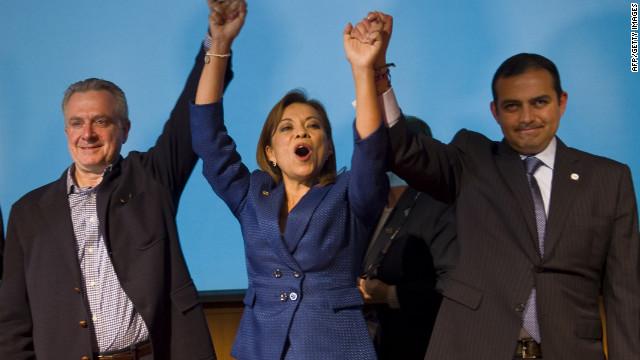 La candidata presidencial Josefina Vázquez Mota sube en las encuestas y…en las redes