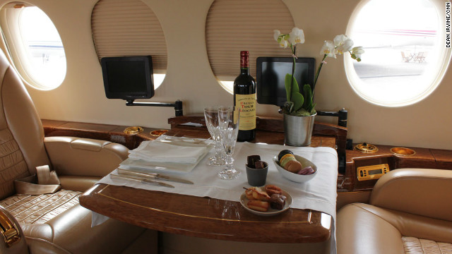 Dinner for two? The &quot;old style&quot; interior of a Dassault Falcon 7X.