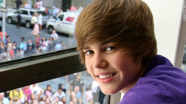 check JUSTIN BIEBER'S TINY BONER! - YouTube |Justin Bieber Cis