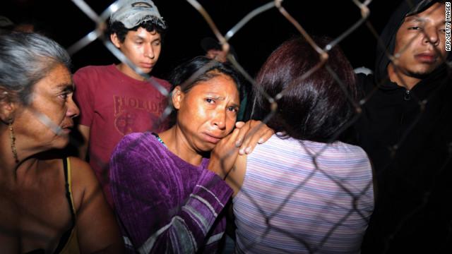 """""""Quiero comprobar que mi hijo está vivo en la cárcel de Comayagua"""""""
