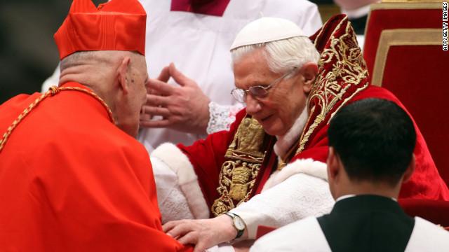 El Papa Benedicto XVI nombra 22 nuevos cardenales en El Vaticano