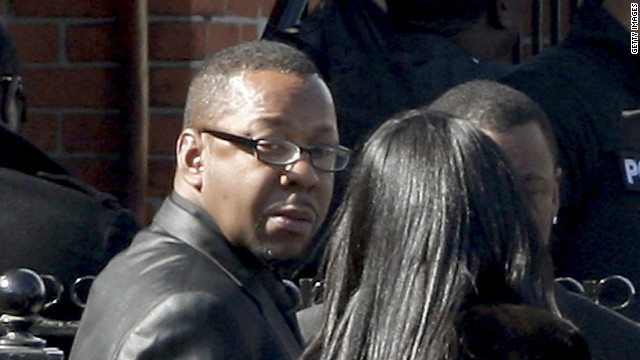 Bobby Brown abandonó el funeral de su exesposa Whitney Houston tras altercado