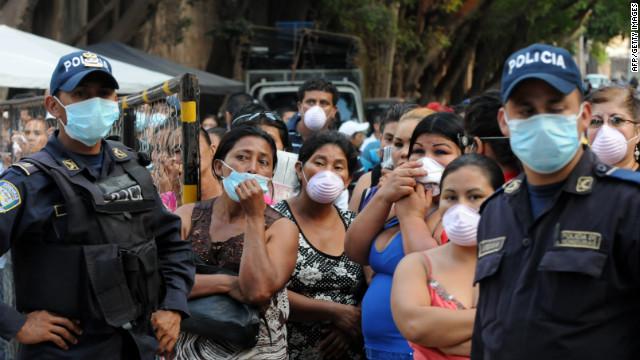Autoridades corrigen la cifra de muertos por incendio en prisión de Honduras