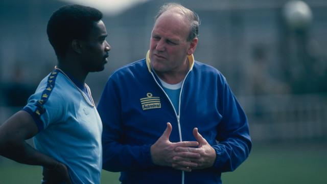 """El racismo en el fútbol """"no es negro y blanco"""""""
