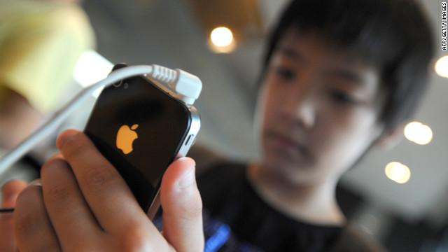 Apple indemnizará a los afectados por falla en la antena del iPhone 4