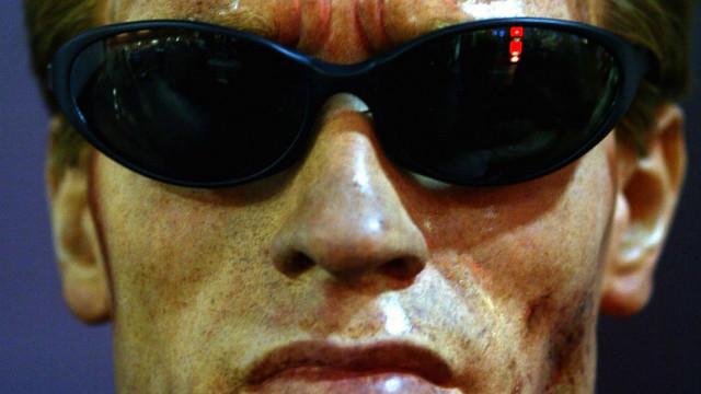 Google desarrolla lentes para ver como «Terminator»