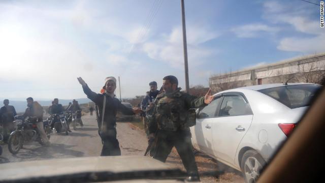 Grupos de oposición en Siria se unen contra el presidente Bachar al Asad