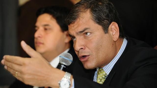 "Correa gana ""prestigio internacional"" al otorgar asilo a Julian Assange"