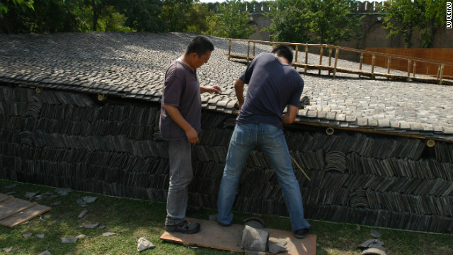 <br/>Wang Shu spent almost a decade learning about building materials from craftsmen.