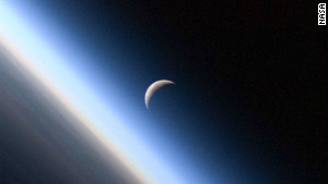 Earthshine may help yield clues to life on other planets