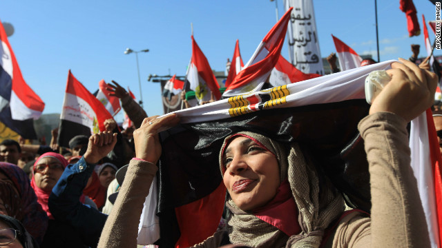 An Egyptian woman demonstrates in Cairo's Tahrir Square to demand democratic change on January 27, 2012.
