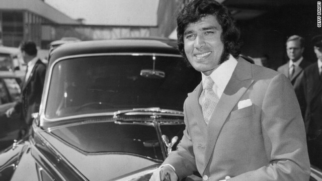 Popular romantic crooner Engelbert Humperedinck leans on his Rolls-Royce in 1970.