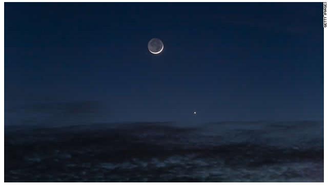"""El """"lado oscuro"""" de la Luna, una pista para hallar vida extraterrestre"""
