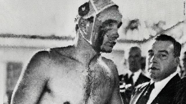 """""""El baño sangriento"""", una auténtica batalla del waterpolo olímpico"""