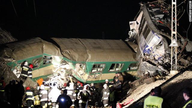 Choque de trenes deja al menos 16 muertos en Polonia