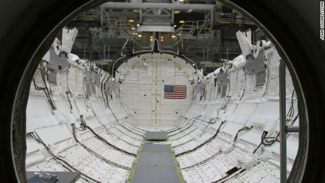 space shuttle living quarters - photo #1