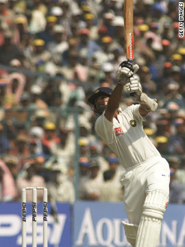 Against Australia in Kolkata in 2001, Dravid destroyed one of the greatest bowlers to have played the game -- Shane Warne. Dravid came to the crease with India needing 45 runs to avoid an innings defeat. He eventually led them to a thrilling victory with a knock of 180, hitting Warne for 41 off 51 balls in the process.