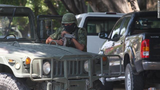 """Presentan a Erick Valencia Salazar, """"El 85"""", líder del cártel Jalisco Nueva Generación"""