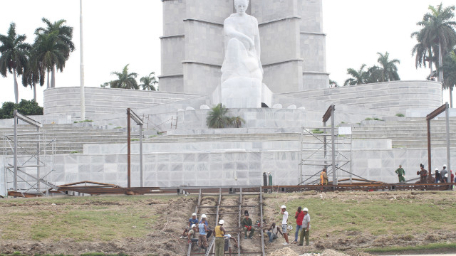 Cuba se prepara para recibir al papa Benedicto XVI